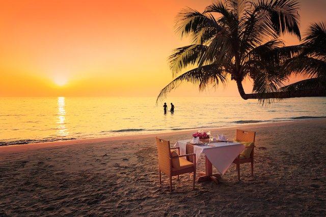beach-costa-rica-romantic-dinner