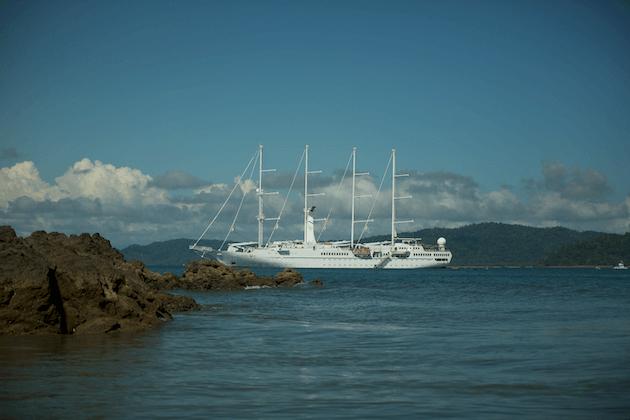 boat-drake-bay-costa-rica