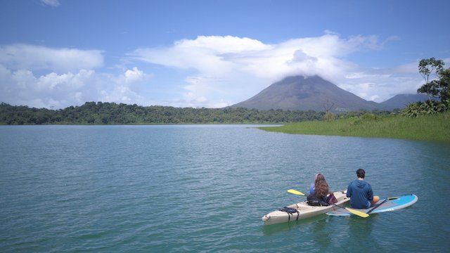 kayaking near arenal volcano