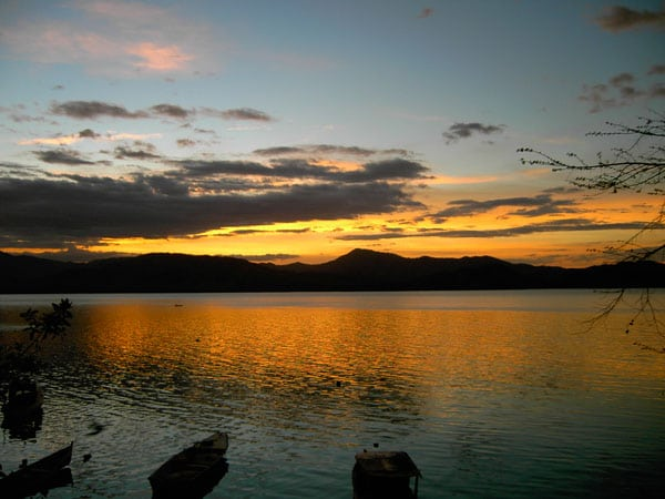 Breathtaking Sunsets on Romantic Costa Rica Honeymoons