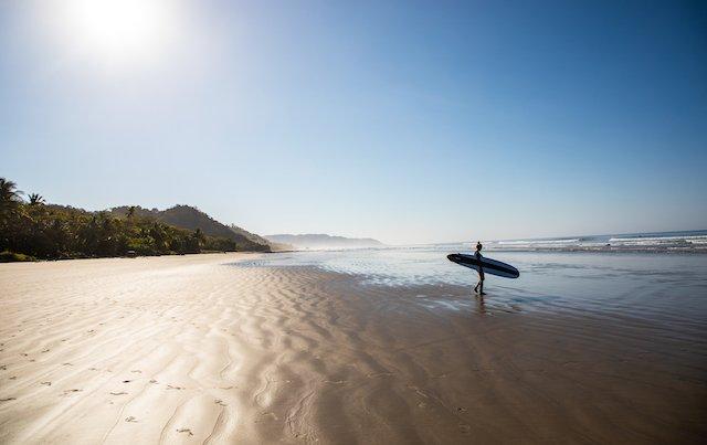 costa-rica-santa-teresa-beach-surfing